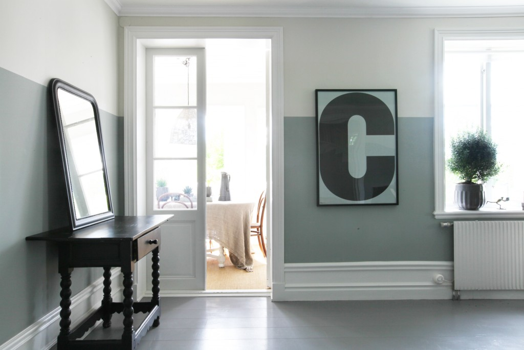color-block-walls-two-toned-living-room-cococozy-4-lovelylife