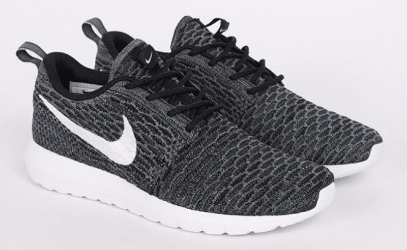 Nike Flyknit Roshe One Black and White