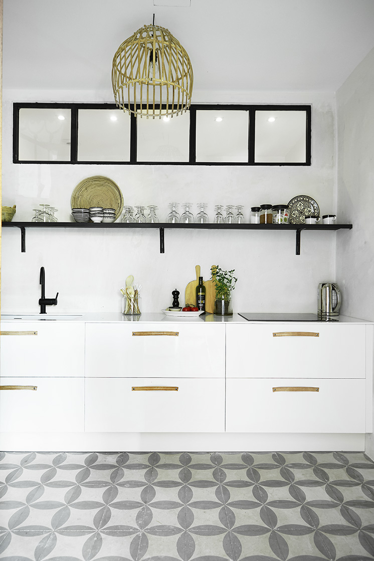 mallorca-apartment-wall-to-wall-cement-tile-kitchen-cococozy | COCOCOZY