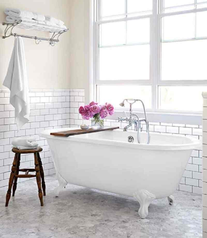 Bright White Bathroom Footed Tub Tray
