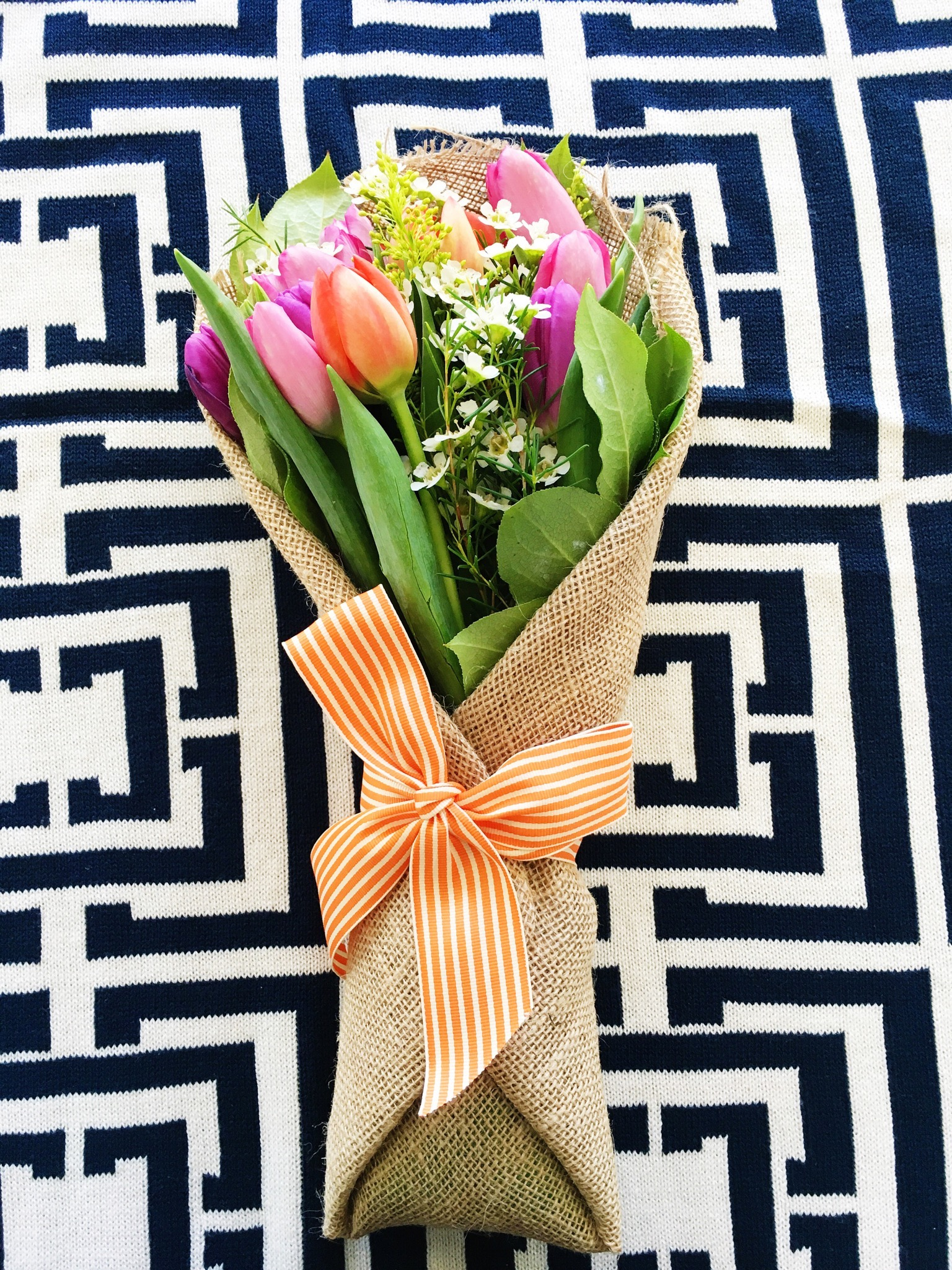 Bloom That offers stylish bouquets delivered right to your door - I featured this bouquet recently on instagram and have really been pleased to find a fresh new flower delivery service!
