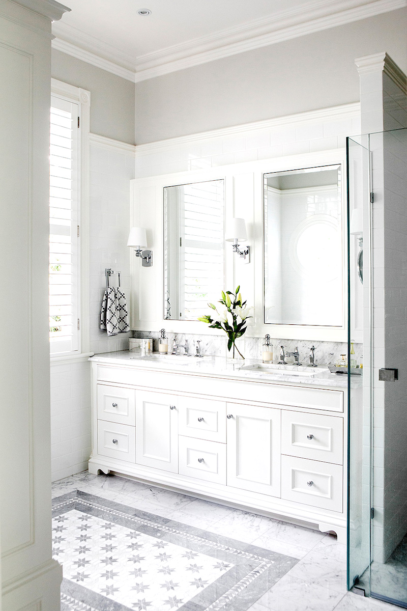 highgate-house-bright-white-bathroom-cococozy