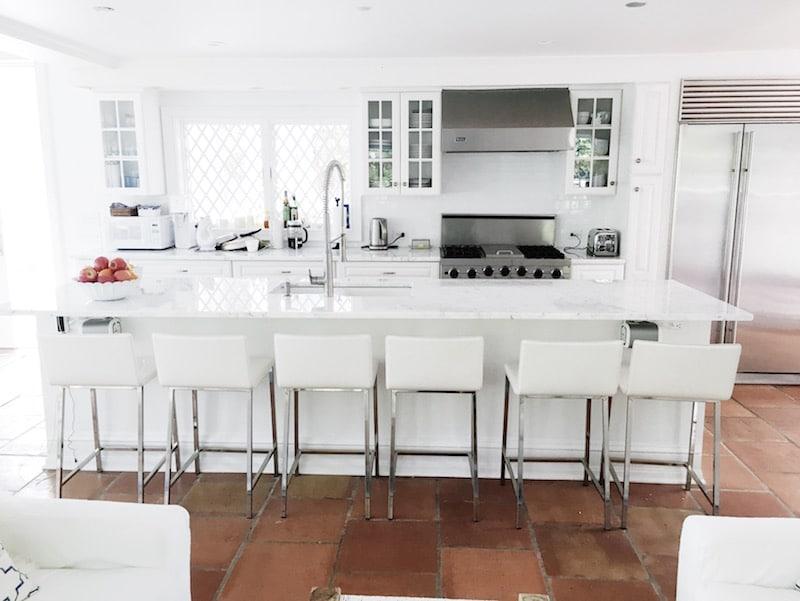 AM Bright White Kitchens East Hampto