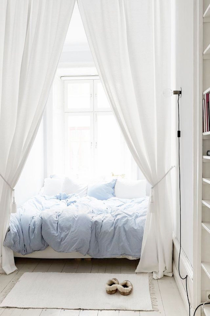 blue bedding white canopy day bed