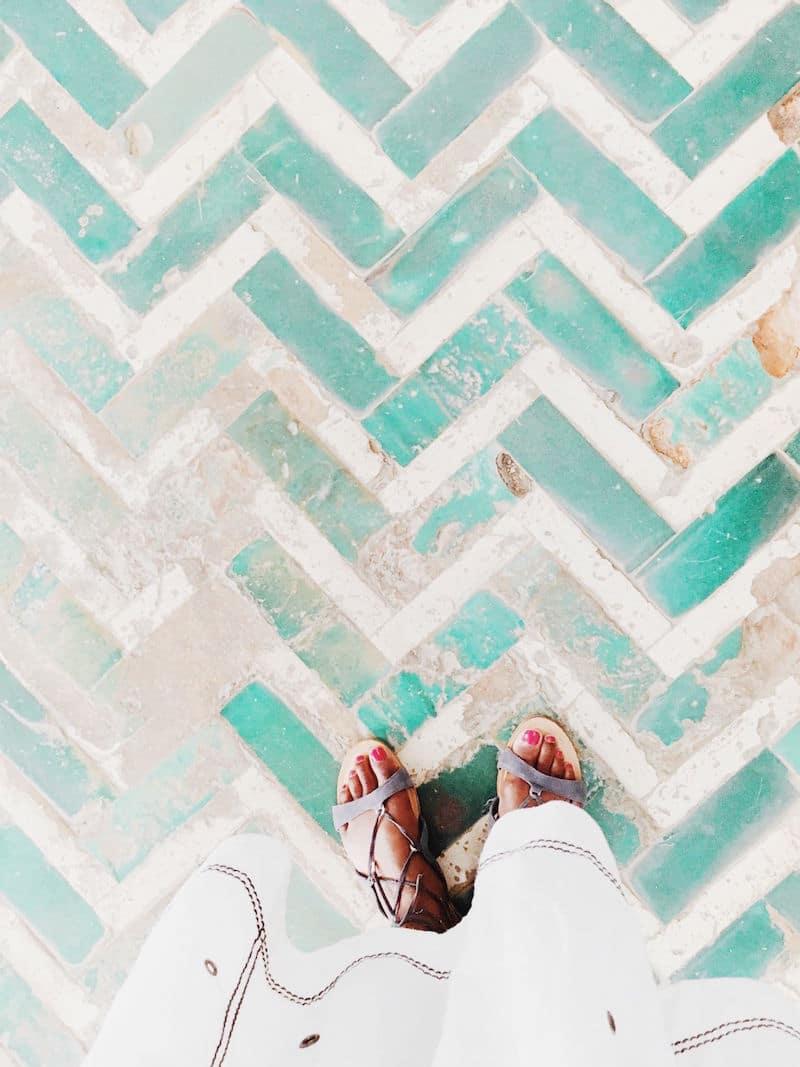 alcazar de sevilla herringbone floors guess sandals