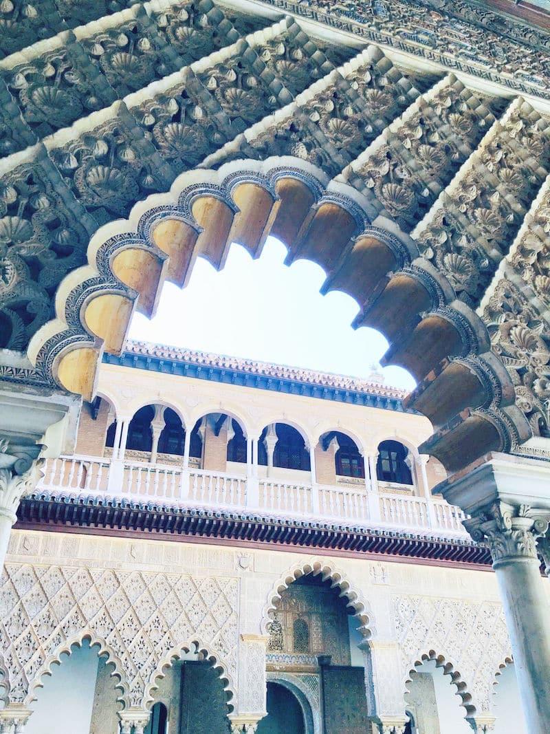 alcazar de sevilla spanish architecture