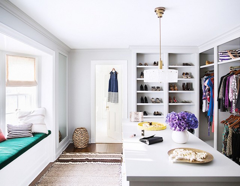 walk in closets seating bench island