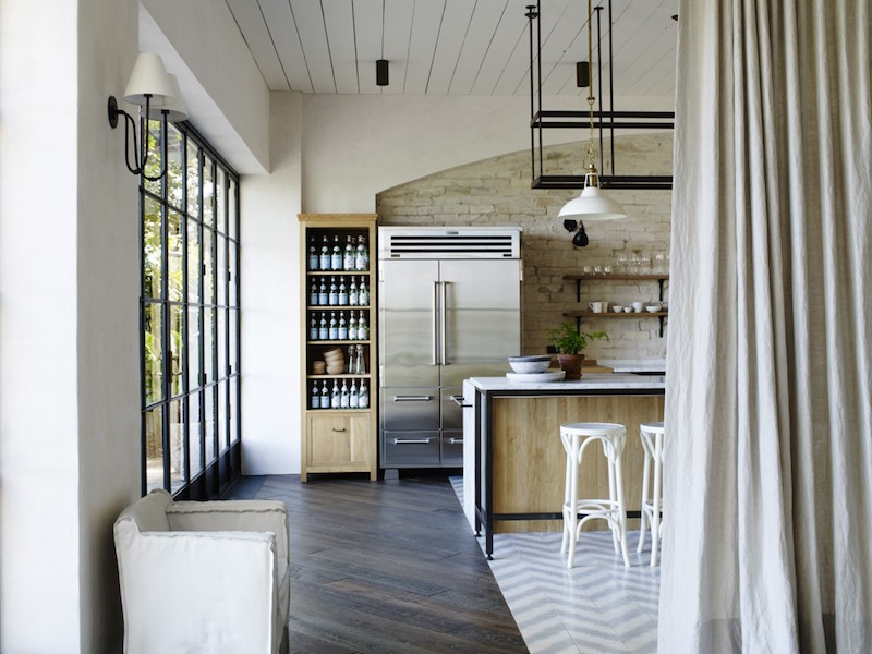 comfortable chic kitchen