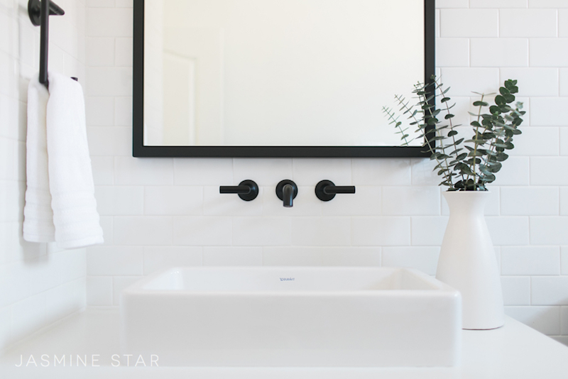 home-renovation-black-white-bathroom-sink-faucet-black-mirror ...