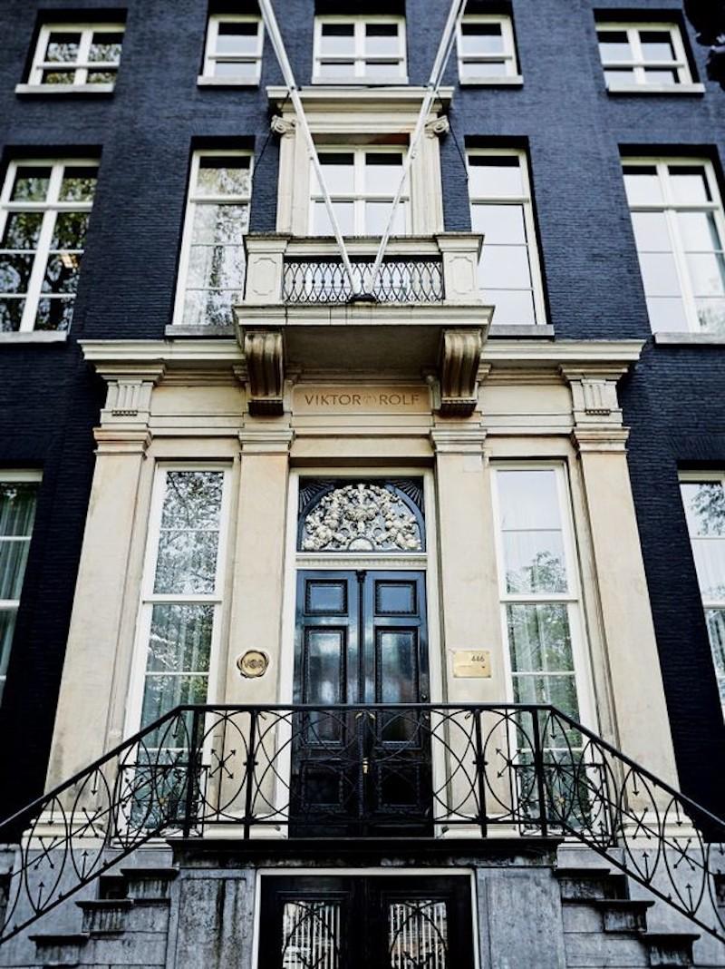 haute-couture-house-viktor-rolf-vogue-australia-front-door