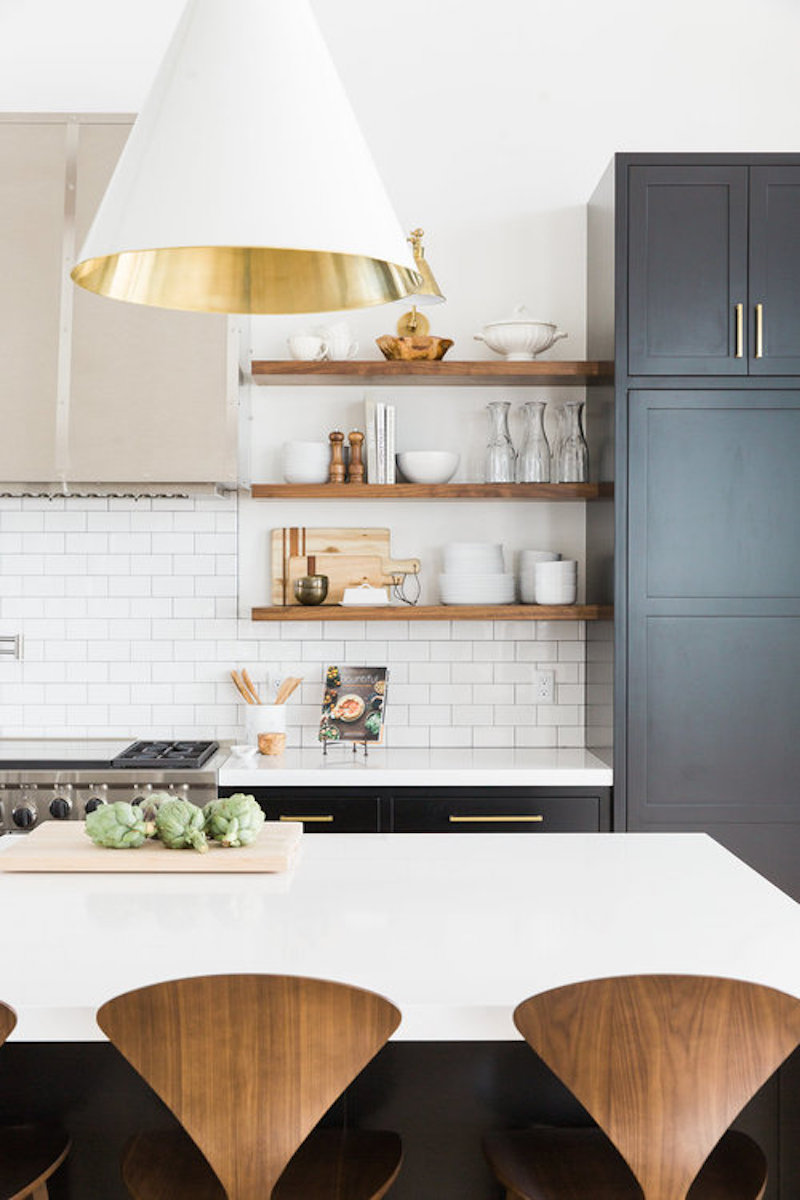 modern mountain house kitchen