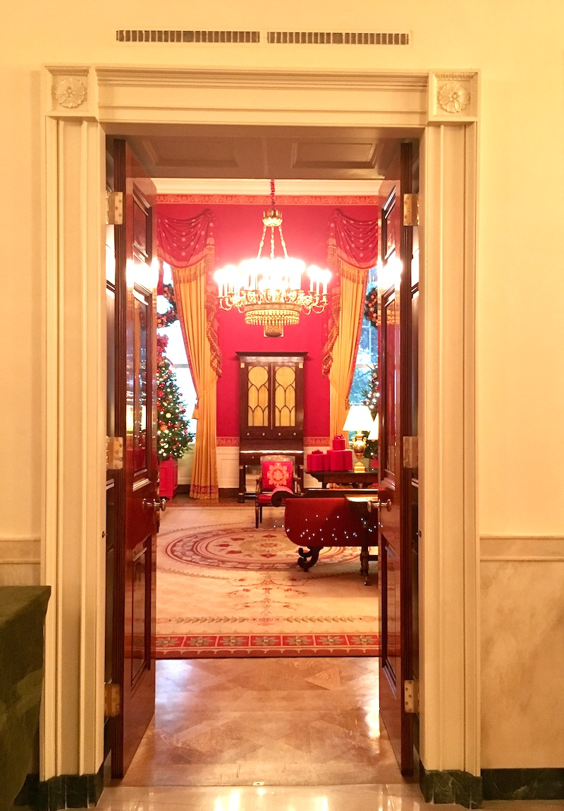 white house holidays red room