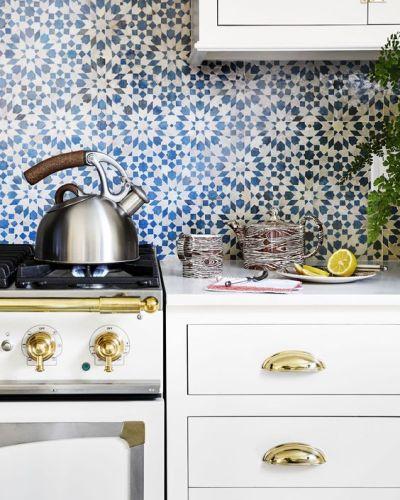 17 Tempting Tile Backsplash Ideas For Behind The Stove