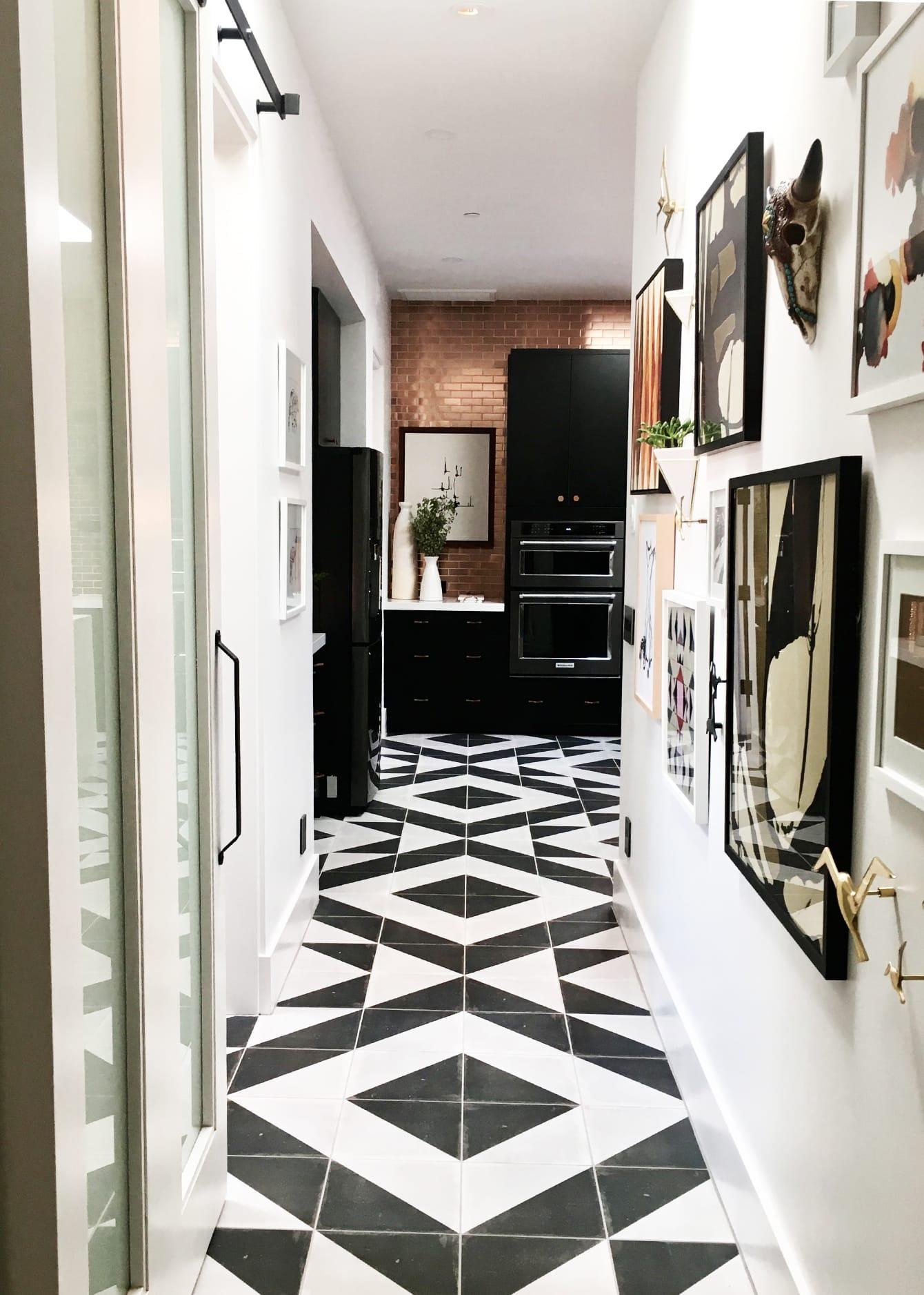 hgtv smart home tour cococozy. Black Bedroom Furniture Sets. Home Design Ideas