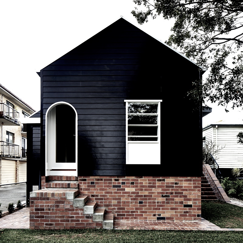Adorable black white cottage durham house cococozy Black brick homes