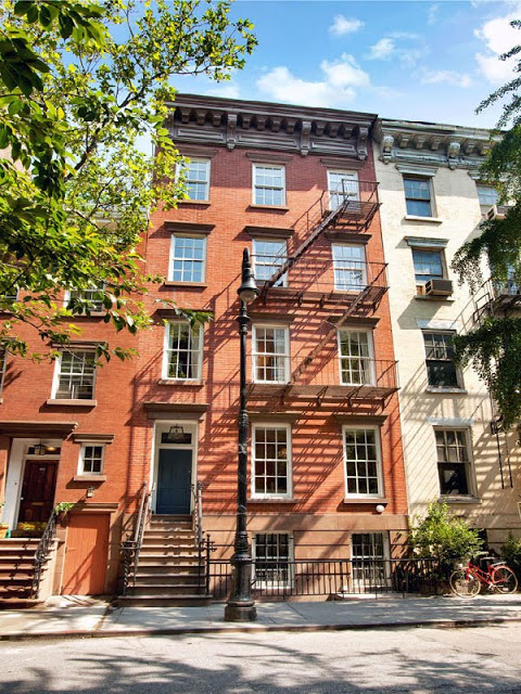 Exterior of 3 level townhouse in the West Village