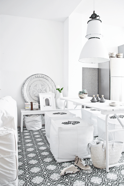 white living room with black & white moroccan tiles