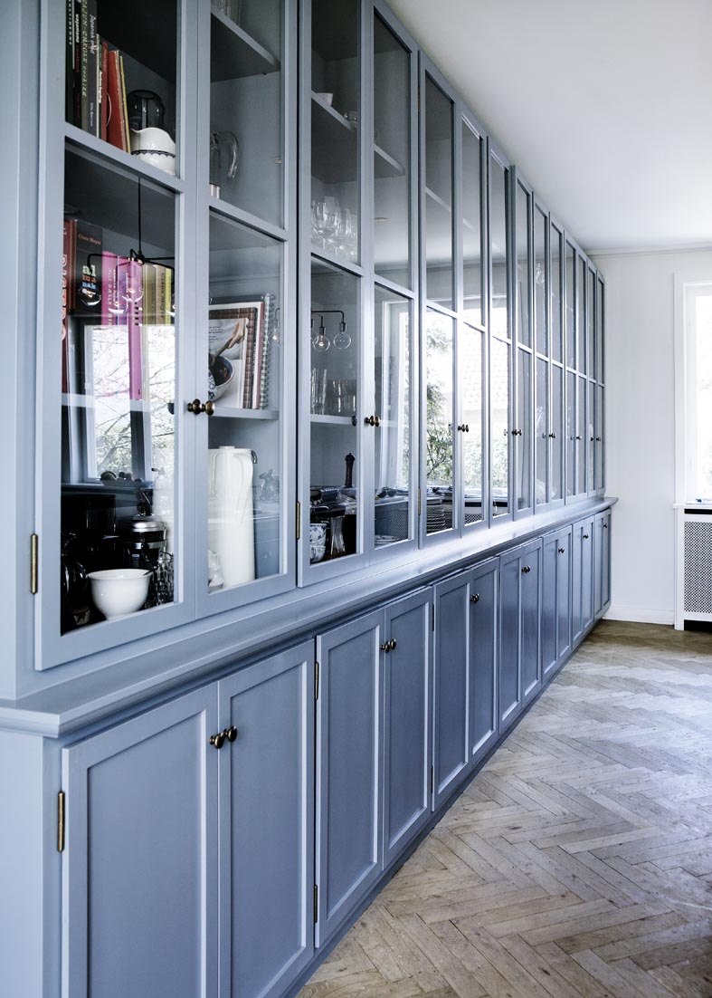 COLOR WATCH: ANOTHER CORNFLOWER BLUE KITCHEN! | COCOCOZY