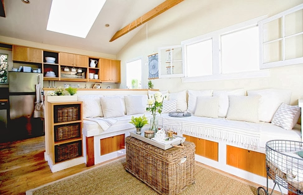 Super small living a genius 350 square foot beach - Built in room dividers ...