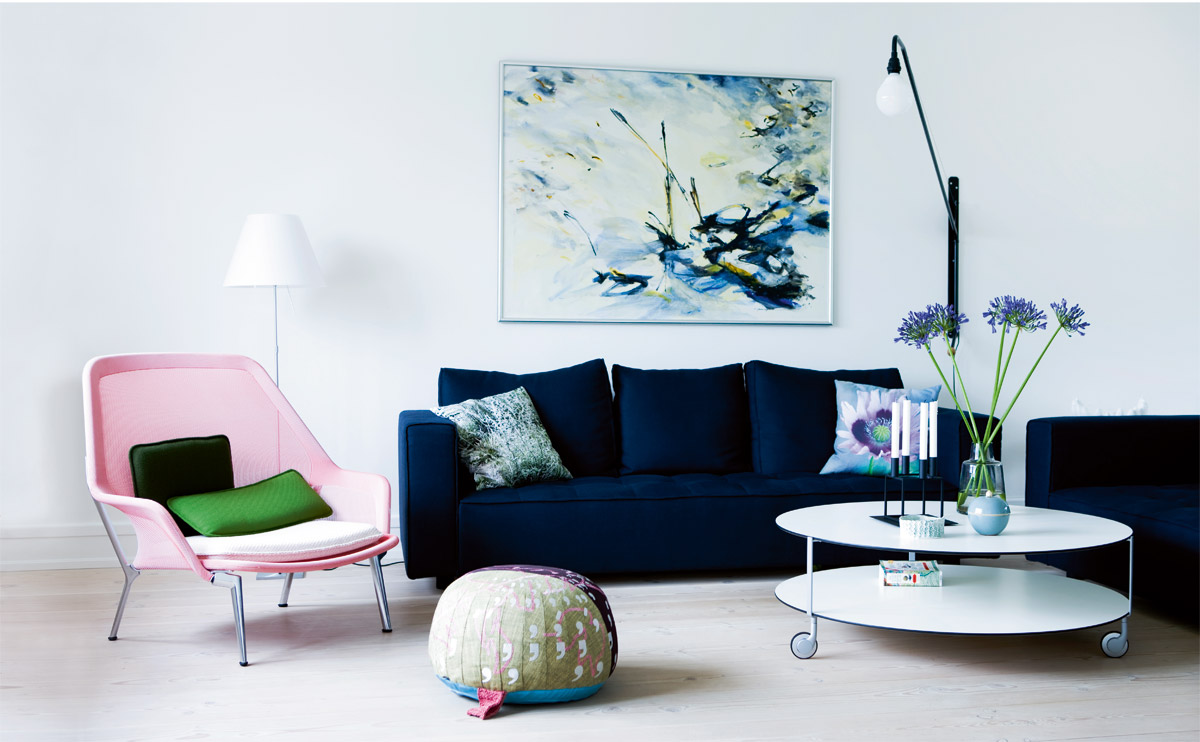 Superieur Living Room Blue Velvet Sofa Pink Side Chair Oval White Coffee Table Modern  Home Decor Design
