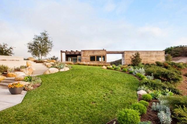 13 million dollar montecito modern home for sale cococozy for Modern million dollar homes