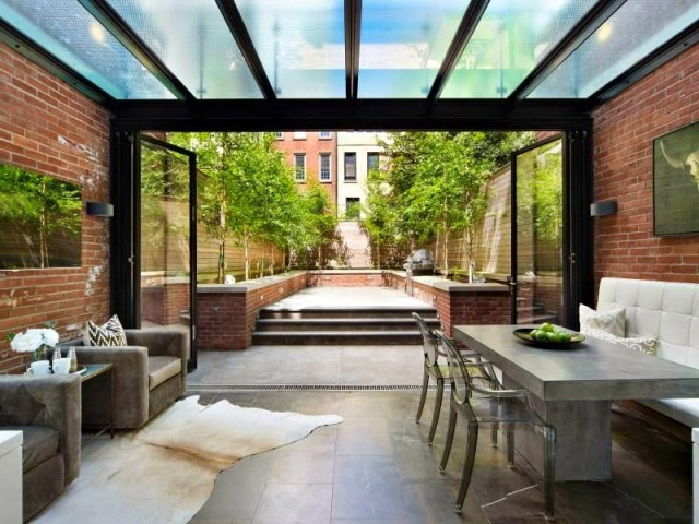 Outdoor dining area in a NYC townhouse
