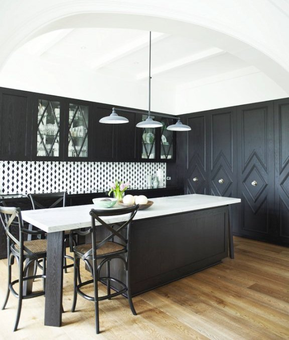 THIS OR THAT: TWO SMALL KITCHENS MAKE BIG DESIGN