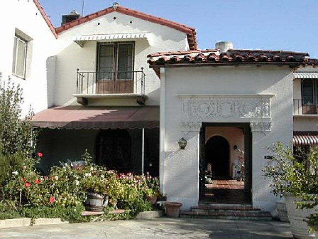Auto court entry of a Cheviot Hills home prior to remodeling