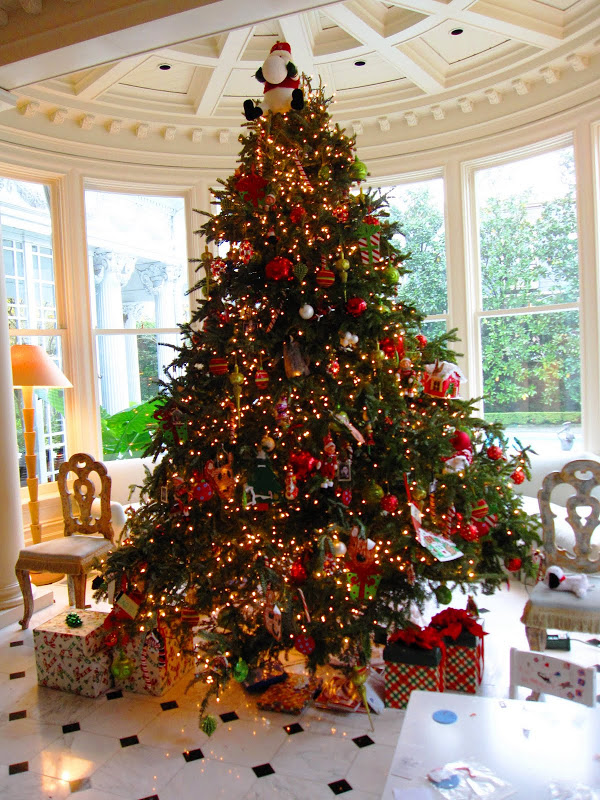 Christmas tree in the Garden Room at a historic New Orleans mansion