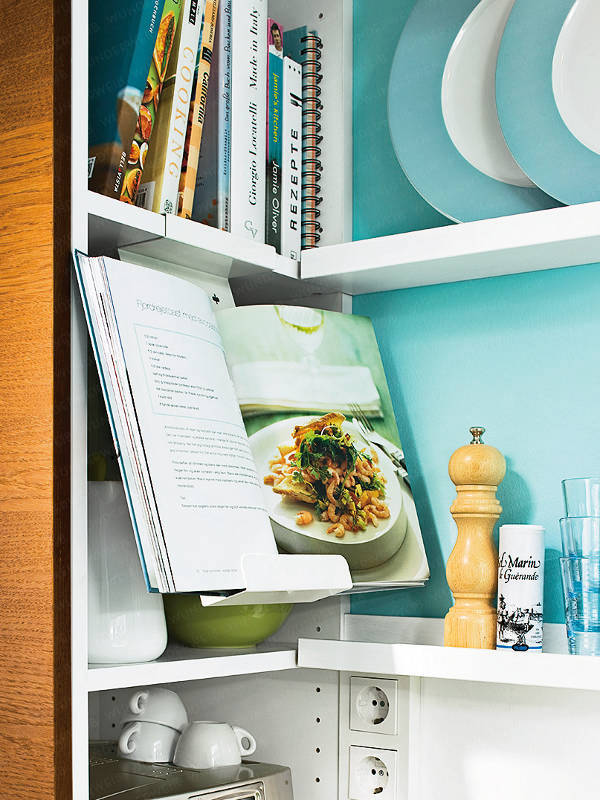 BEFORE & AFTER: TURQUOISE TAKES OVER IN A SMALL KITCHEN ...