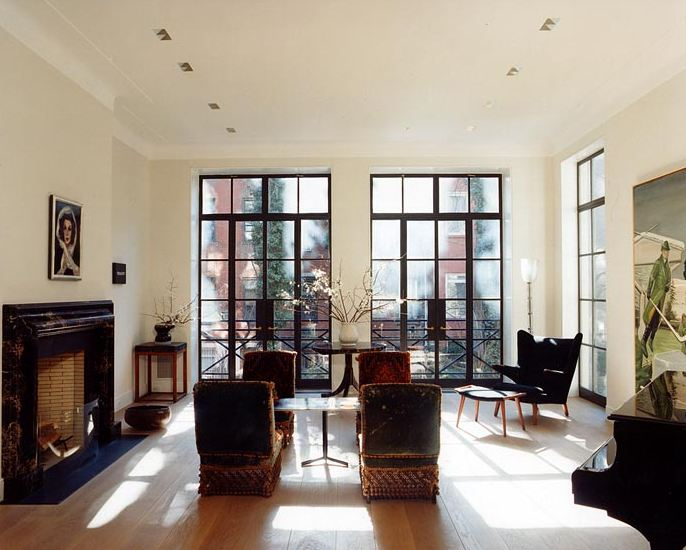 Architect tour no light lost in an east village townhouse for Room with no doors or windows