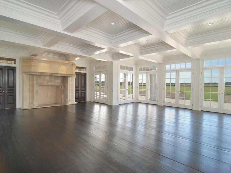 See this house a29 million hamptons farm cococozy for Big empty living rooms