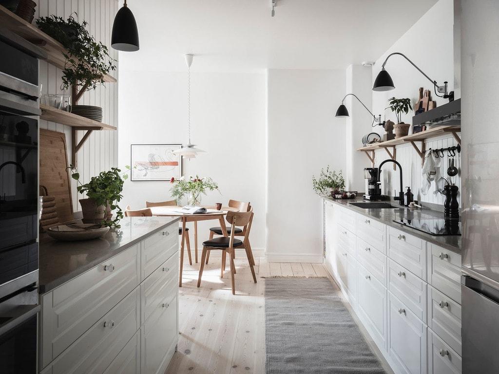 Cozy shaker kitchen