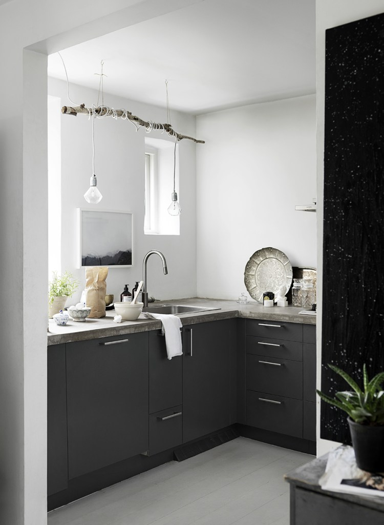 ValentinCopenhagen townhouse with grey details - via Coco Lapine Design