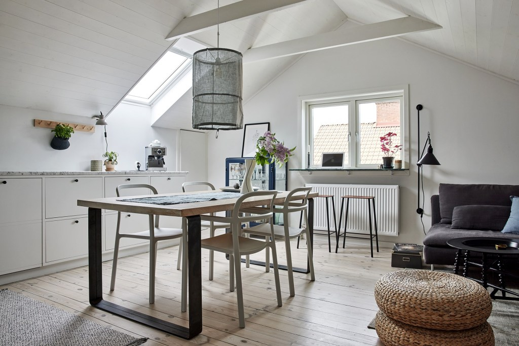 Minimal kitchen under the roof