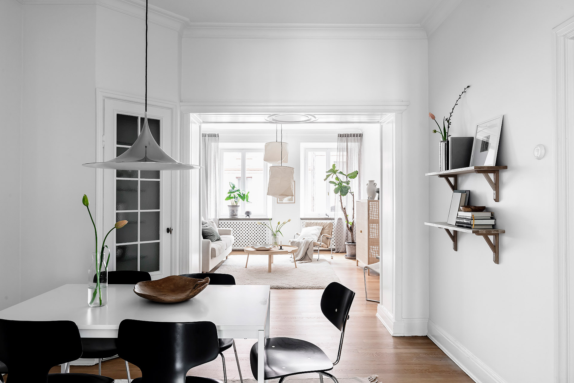 Simple Contrast Dining Room