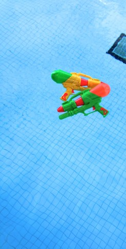 ~ Water Guns while swimming are always fun ~