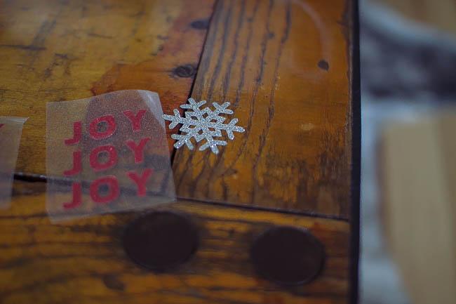 DIY Glitter Holiday Mugs 5