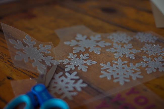 DIY Glitter Holiday Mugs 7