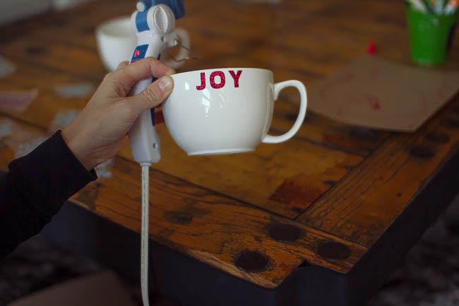 DIY Glitter Holiday Mugs 15