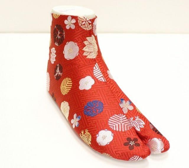 01a80c11a90a37 ... もりさんの西陣織の生地を使用した足袋、『西陣織足袋』を5月中旬より福助オンラインストア(http://shop.fukuske.com/)に て発売することをお知らせいたします。