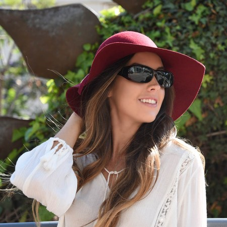 black cherry cocoons fitover sunglasses have polarized lenses