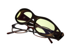 Cocoons Stream Line fitovers have a compact oval frame shape designed to fit smaller, round to oval eyewear frames and feature an HEV blue light filter system