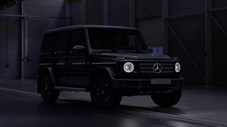 Mercedes-G-Wagon-Black-4