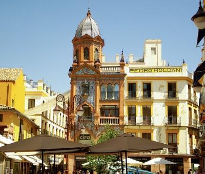 スペイン旅行、パッケージツアーそれとも個人旅行