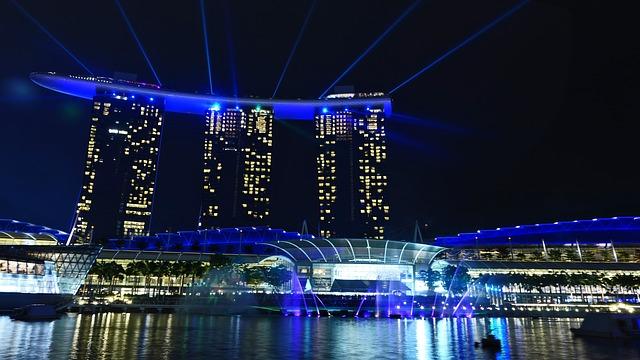カップル旅行で行く、シンガポールの夜景スポットマリーナ・ベイ・サンズ