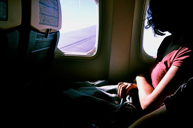 飛行機内の過ごし方