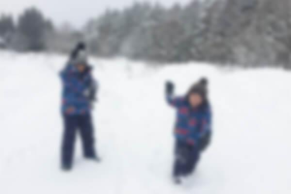 子供とスキーに行く時は子供用のゴーグルを用意しよう!