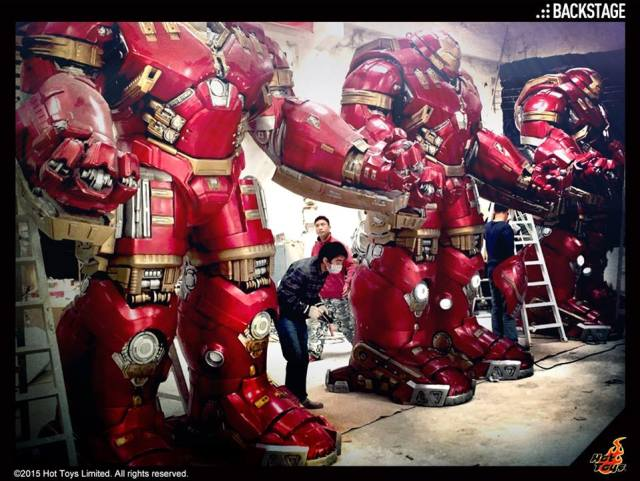 Hot-Toys-Hulkbuster-Statues-In-Progress