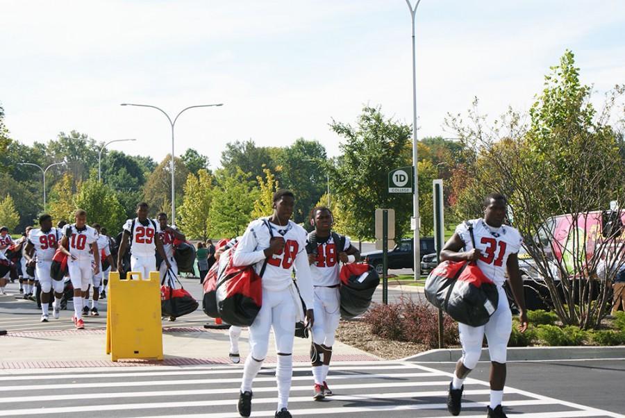 The Georgia Military Bulldogs arrive on campus.